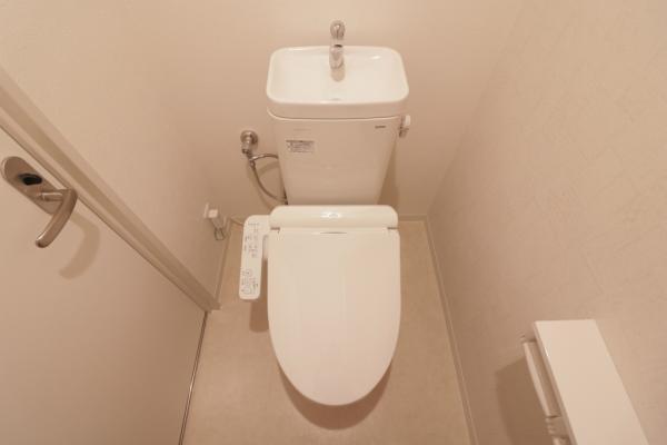 温水洗浄便座付トイレ新調(令和元年6月)