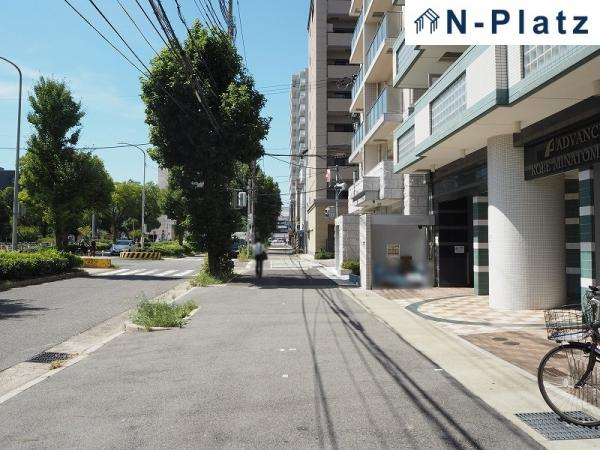 大通りを直進徒歩3分で「新長田」駅です♪