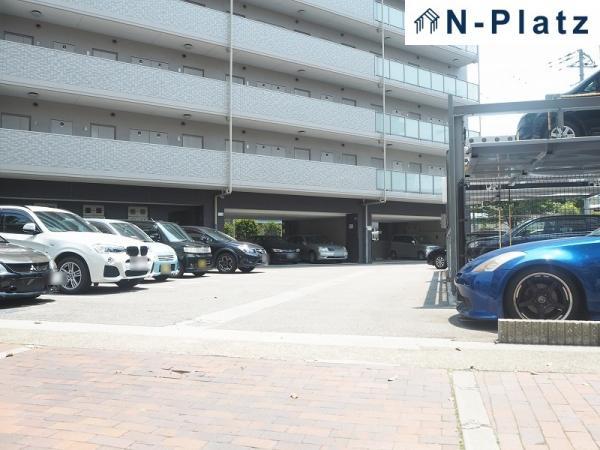 駐車場の空き状況は担当者までお問い合わせください。